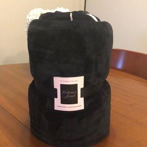 Victoria Secret Sherpa Blanket